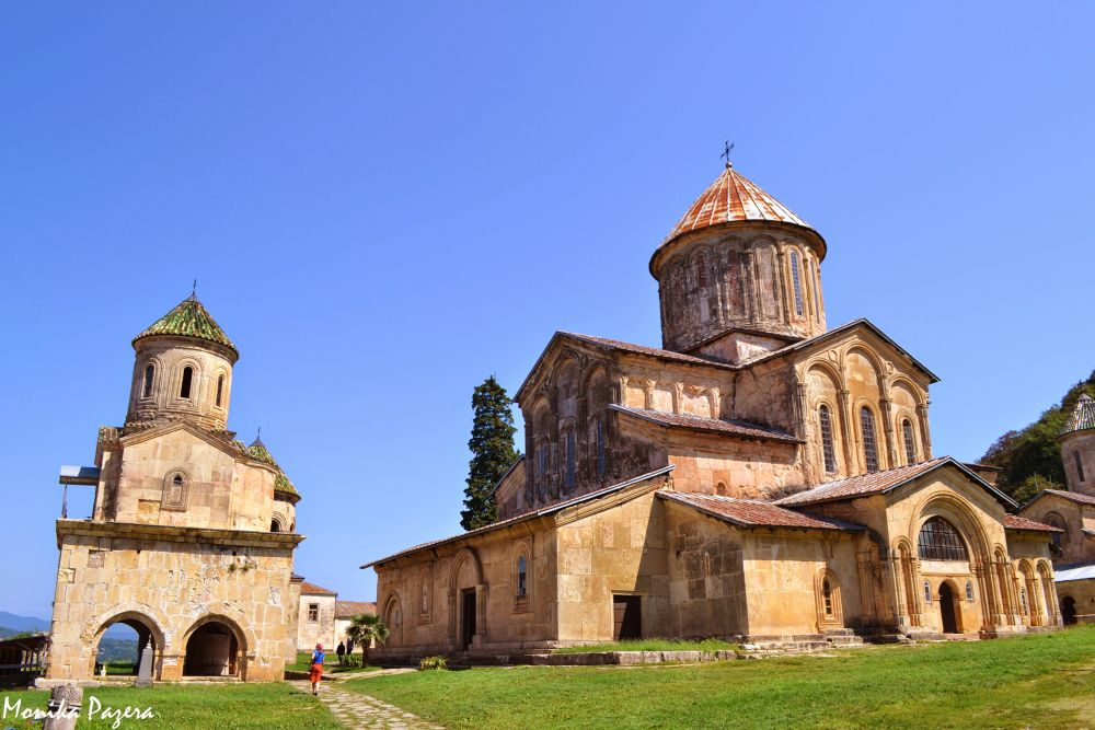 gelati_gruzja_klasztor_www.globzon.travel.pl